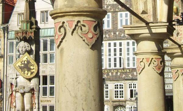 BTZ_413_Marktplatz_RathausArkaden_Roland_RET