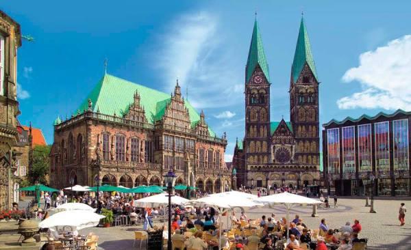 BTZ_8_Marktplatz_Rathaus_Dom_RET