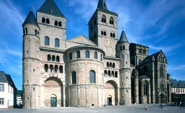 Dom_Liebfrauenkirche_c-JeiterMichael_RET