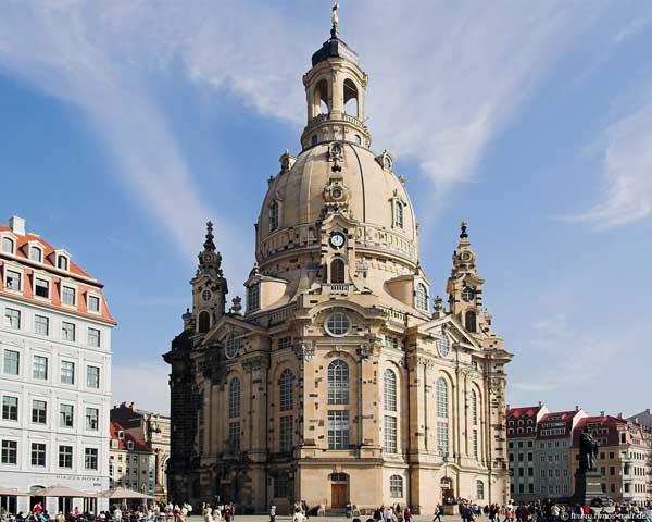 Фрауэнкирхе в Дрездене Фото