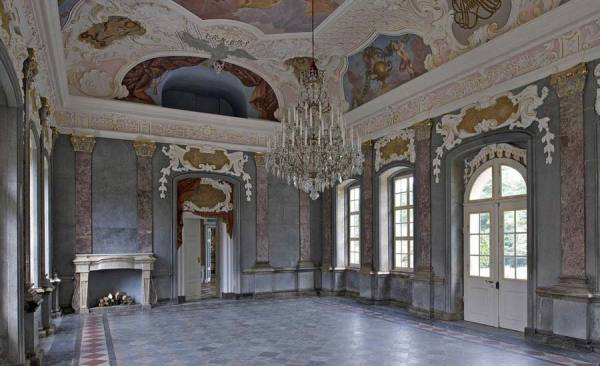 HermitageOldPalace_MarbleHall_RET