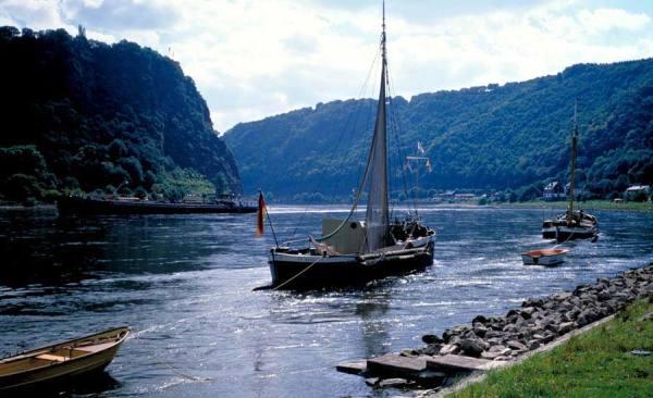 Rhein_Loreley_748_RET