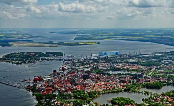 Stralsund_30-2-MontagFram1a_RET