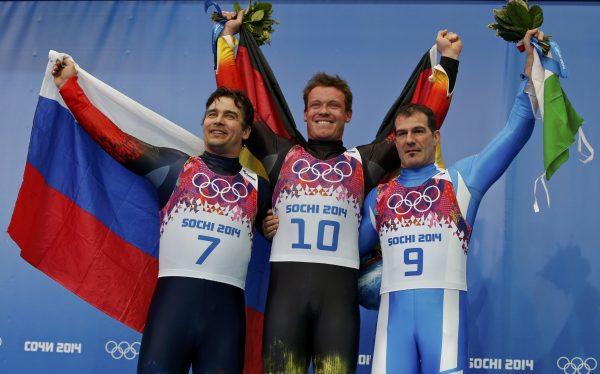 Феликс Лох (в центре)
