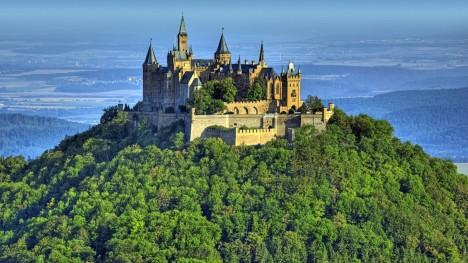 "Замок в Германии ""Hohenzollern"""