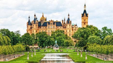 Шверинский замок – шедевр архитектуры Северной Германии